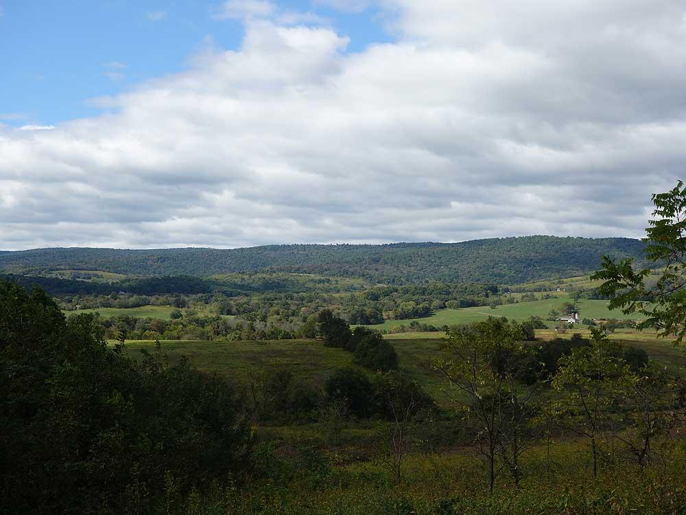 Sky meadows farmslost mountain hike mid november publicscrutiny Images